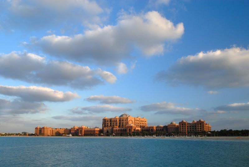 Print_Emirates-Palace-daylight