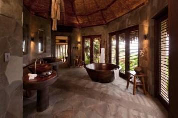 Laucala_hilltop_estate_bathroom