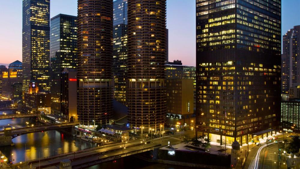 Langham Chicago-tlchi-exterior-night-1680-945t