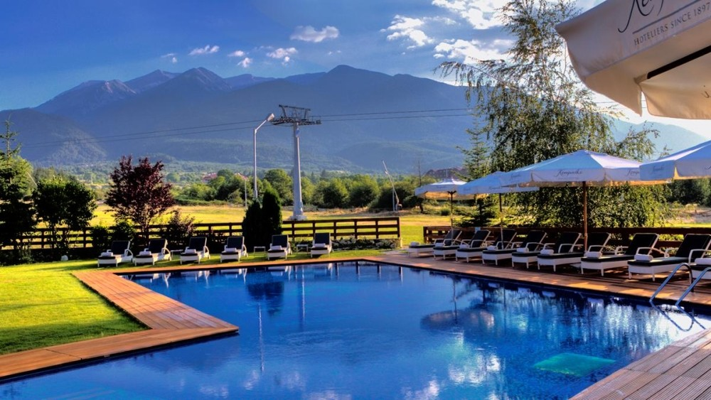 Kempinski Hotel Grand Arena Bansko outside pool