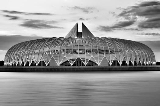 Every time I drove between Tampa and Orlando I'd see this under construction. Finally  completed I made it a point to stop here to get a closer look. From an architectural perspective there isn't anything in the region that compares, an icon of design and innovation.