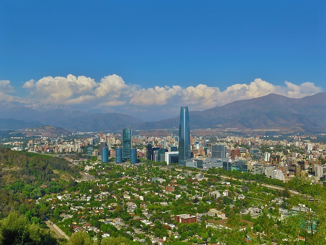 ATL> Santiago, Chile: Flight & 7 nights: $1,293 – Mar-May