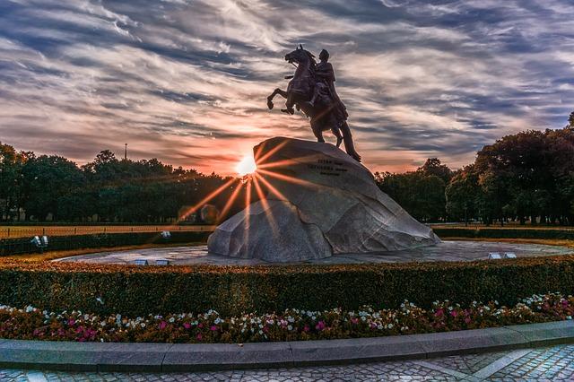 BNA > Saint Petersburg, Russia: $779 round-trip- Sep-Nov (Including Fall Break)