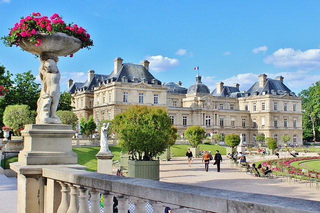Thanksgiving Trip to Luxembourg: $644 including flight & 7 nights
