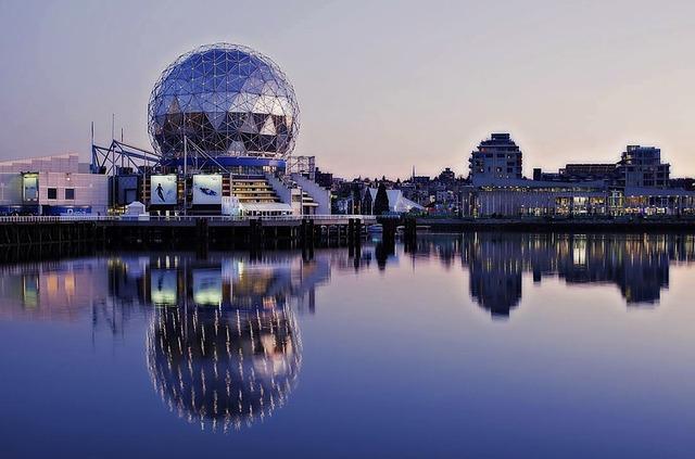 DEN > Vancouver: $292 round-trip
