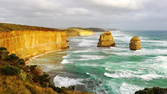 DFW > Melbourne, Australia: $963 round-trip – Jul-Sep