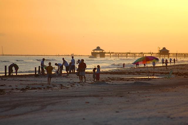 IND > Fort Myers, Florida: $157 round-trip- Nov-Jan