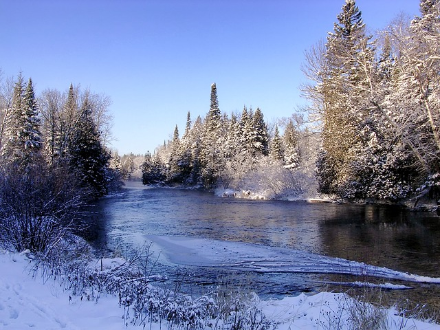 IND > La Crosse, Wisconsin: $144 round-trip- Feb-Apr (Including Spring Break)