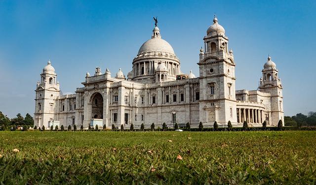 LAX > Kolkata, India: Flight & 5 nights: $718- Feb-Apr (Including Spring Break)