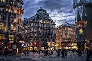 – Feb-Apr SNA> Vienna, Austria: Flight & 15 nights: $861