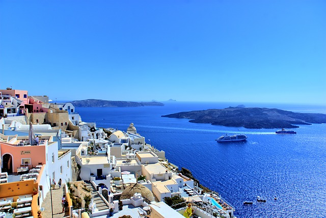 LAX > Thera, Greece: $654 round-trip- Oct-Dec