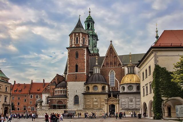 MSP > Krakow, Poland: Flight & 7 nights: $794 – Mar-May