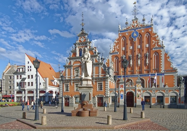 LGA > Riga, Latvia: Flight & 7 nights: $600- Oct-Dec (Including Thanksgiving)