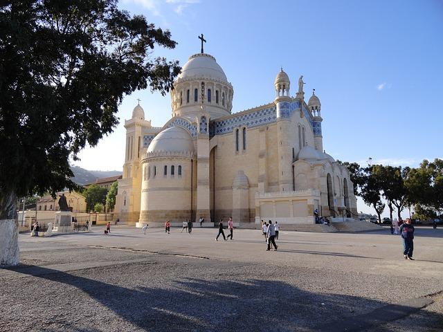 LGA > Algiers, Algeria: $532 round-trip- Sep-Nov