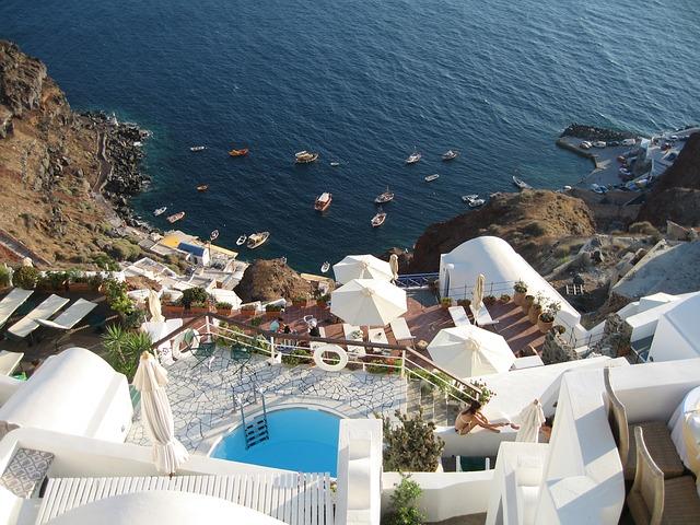 JFK > Thera, Greece: $401 round-trip- Aug-Oct