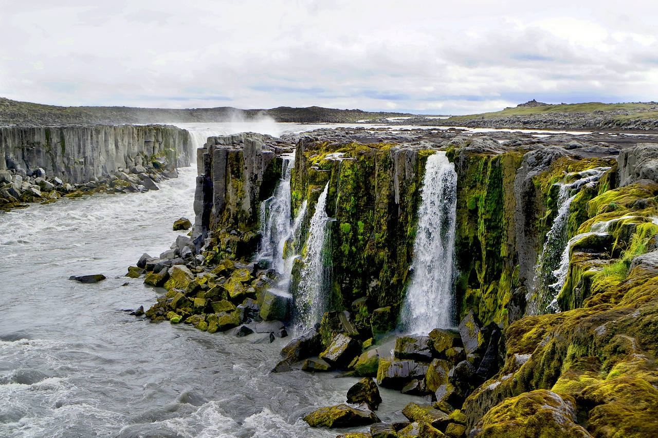 Early Spring: SFO > Reykjavik: $300 round-trip or $520 including 8 nights
