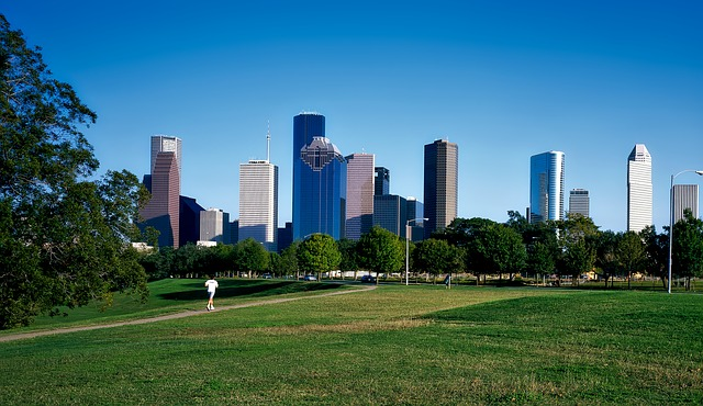 OAK > Houston, Texas: $161 round-trip – May-Jul (Including Summer Break)