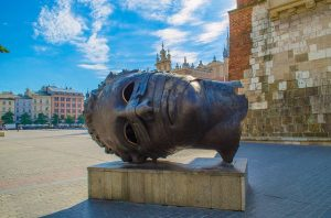 – Nov-Jan SFO> Krakow, Poland: Flight & 13 nights: $783