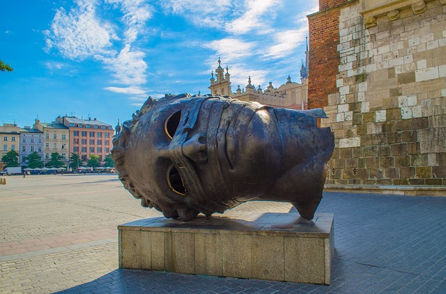 SFO > Krakow, Poland: $542 round-trip- Apr-Jun