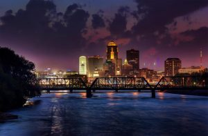 SFO> Des Moines, Iowa: $147 round-trip – Aug-Oct