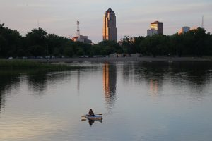 SFO> Des Moines, Iowa: $143 round-trip