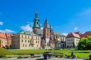 OAK> Krakow, Poland: Flight & 12 nights: $921 – Sep-Nov (Including Fall Break)