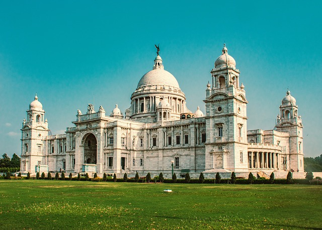 SFO > Kolkata, India: Flight & 12 nights: $656- Feb-Apr (Including Spring Break)