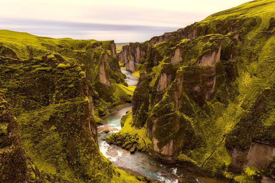 EWR> Reykjavik, Iceland: Flight & 6 nights: $468 – Aug-Oct