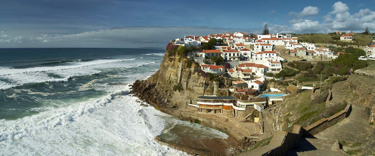 RDU> Porto, Portugal: Flight & 5 nights: $800- Apr-Jun