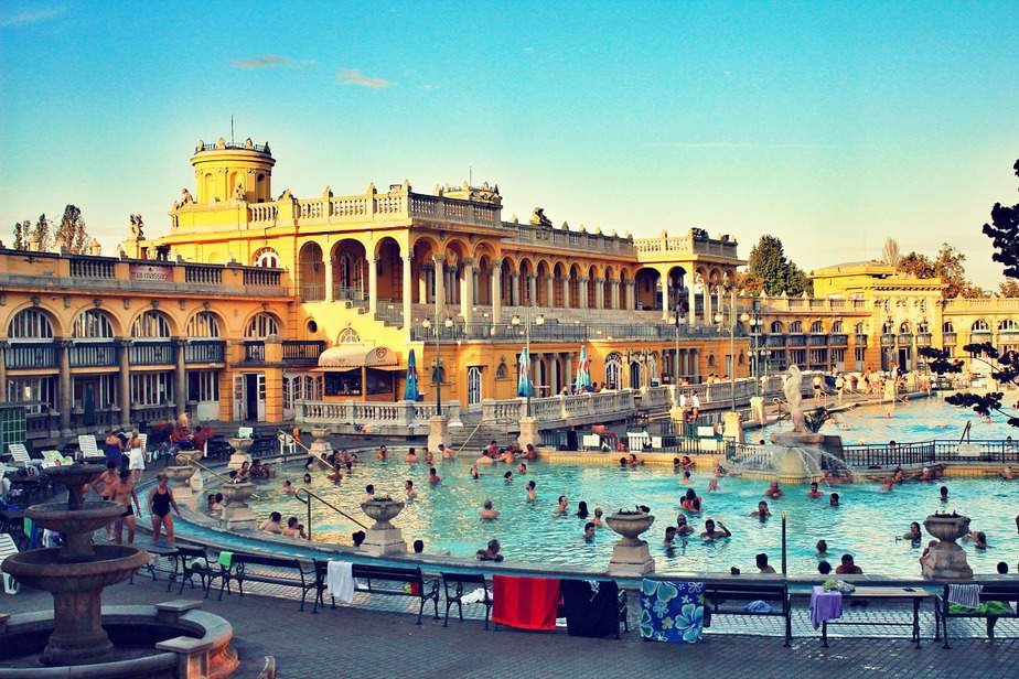 JFK> Budapest, Hungary: Flight & 5 nights: $571- Dec-Feb