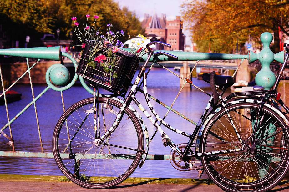 MSP> Amsterdam, Netherlands: Flight & 7 nights: $557 – Feb-Apr (Including Spring Break)