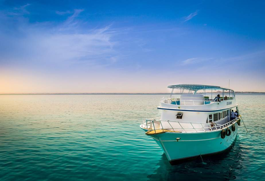 PHX> George Town, Cayman Islands: Flight & 8 nights: $699 – Apr-Jun