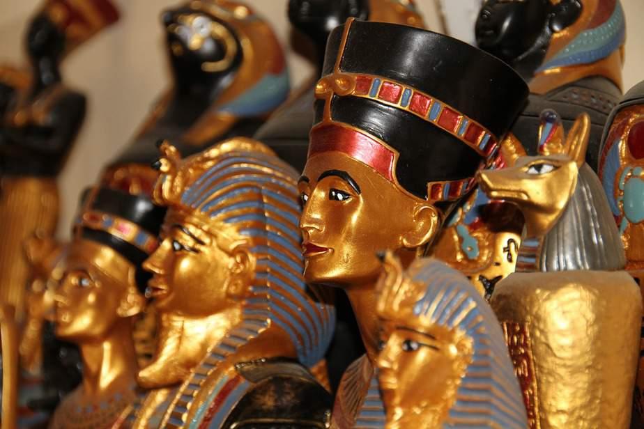 SNA> Cairo, Egypt: Flight & 9 nights: $865- Jan-Mar
