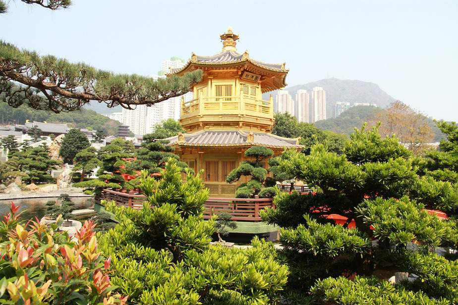 BNA> Hong Kong, Hong Kong: Flight & 7 nights: $822 – Apr-Jun