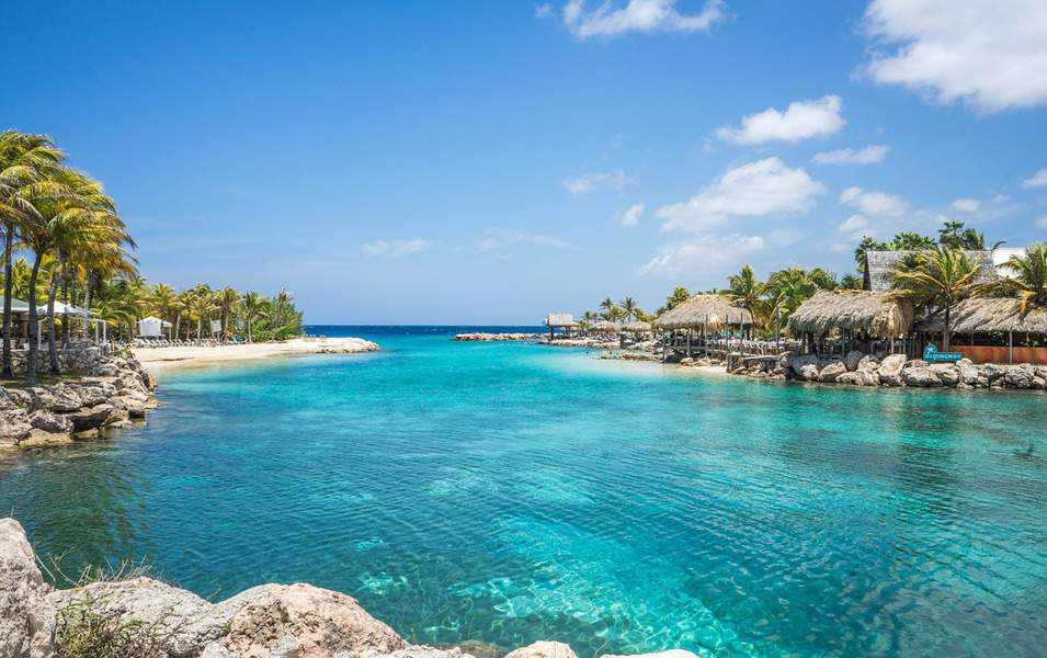IND> George Town, Cayman Islands: Flight & 7 nights: $772- Aug-Oct