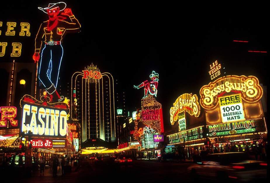 OAK> Las Vegas, Nevada: $53 round-trip- Sep-Nov