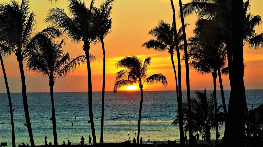 MSP> Kailua Kona, Hawaii: Flight & 6 nights: $1,048 – Feb-Apr (Including Spring Break)