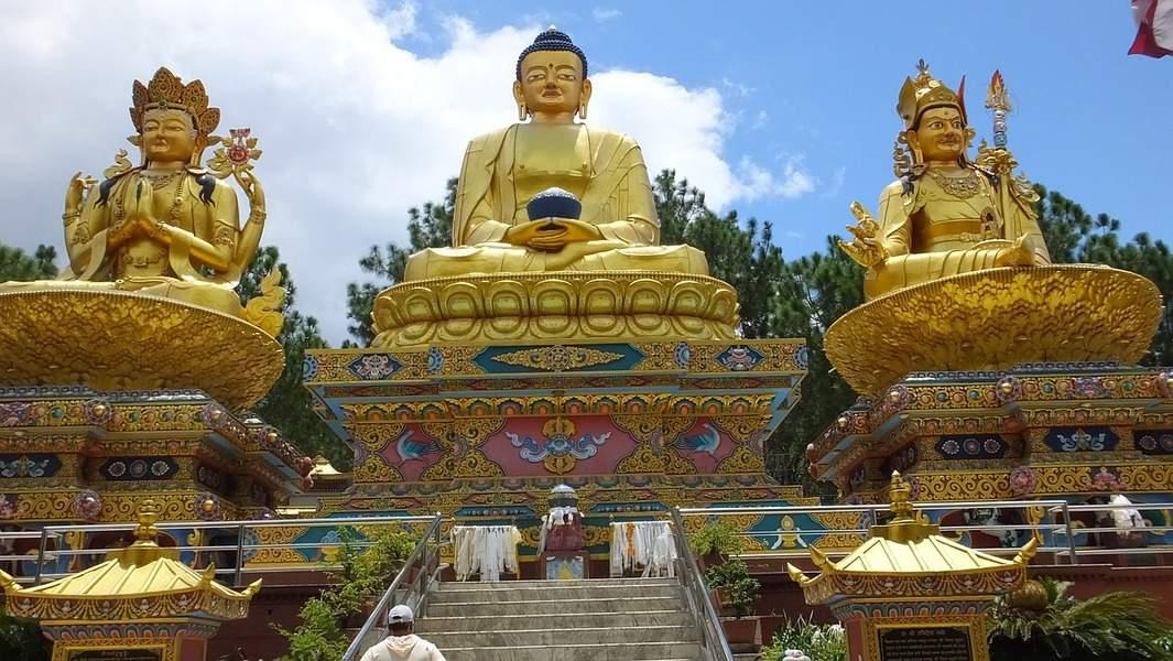 LAX> Kathmandu, Nepal: Flight & 14 nights: $1,075 – Oct-Dec