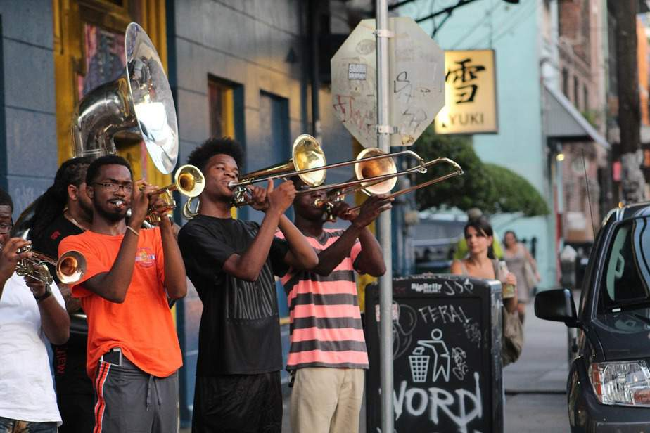 BNA> New Orleans, Louisiana: $77 round-trip