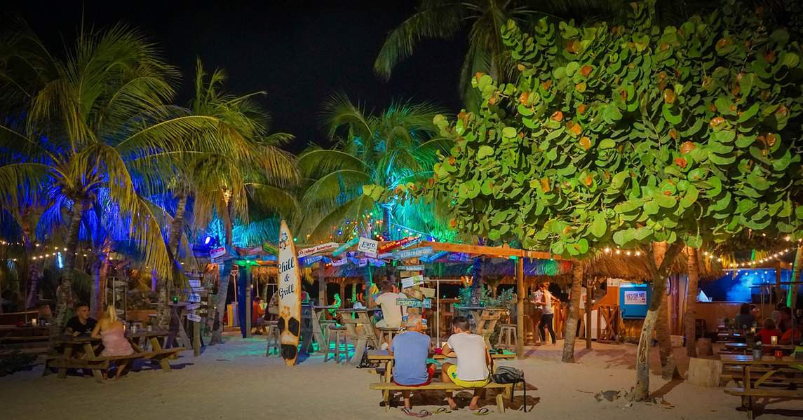SFO> Willemstad, Curaçao: $543 round-trip- May-Jul (Including Summer Break)