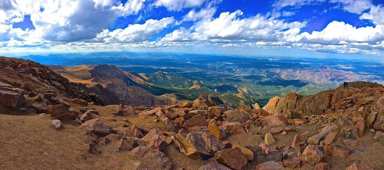 MSP> Colorado Springs, Colorado: $77 round-trip- Apr-Jun