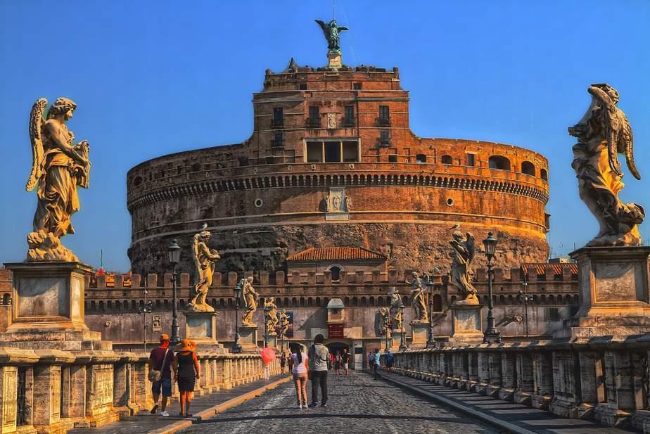 EWR> Rome, Italy: Flight & 10 nights: $352 – Oct-Dec (Including Thanksgiving)