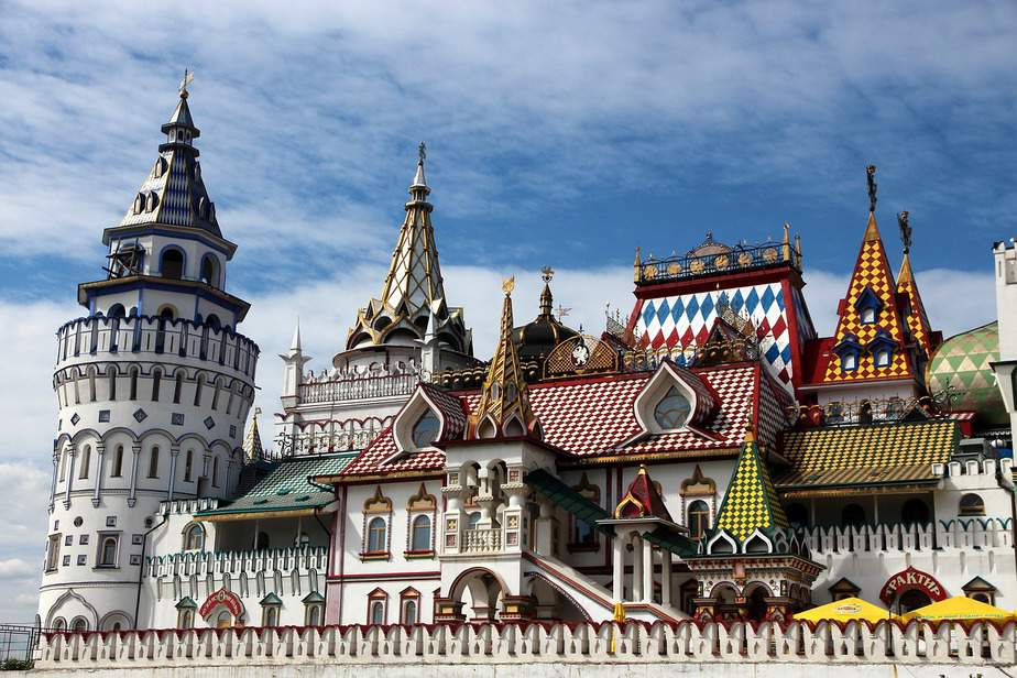 SJC> Moscow, Russia: Flight & 6 nights: $827 – Oct-Dec (Including Thanksgiving)