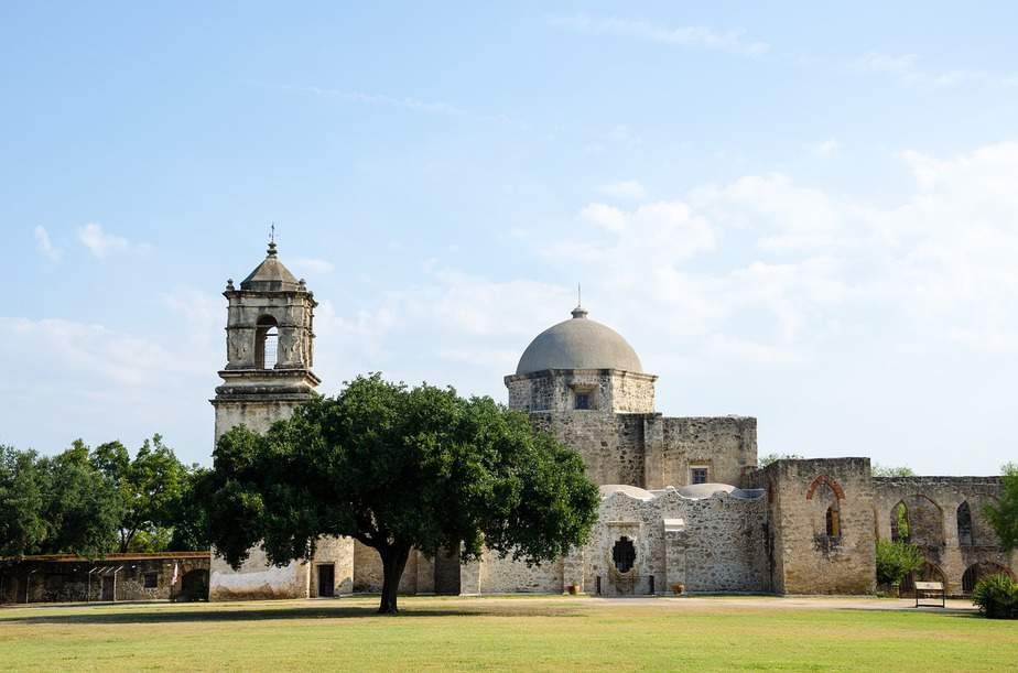 SNA> San Antonio, Texas: $97 round-trip – Dec-Feb