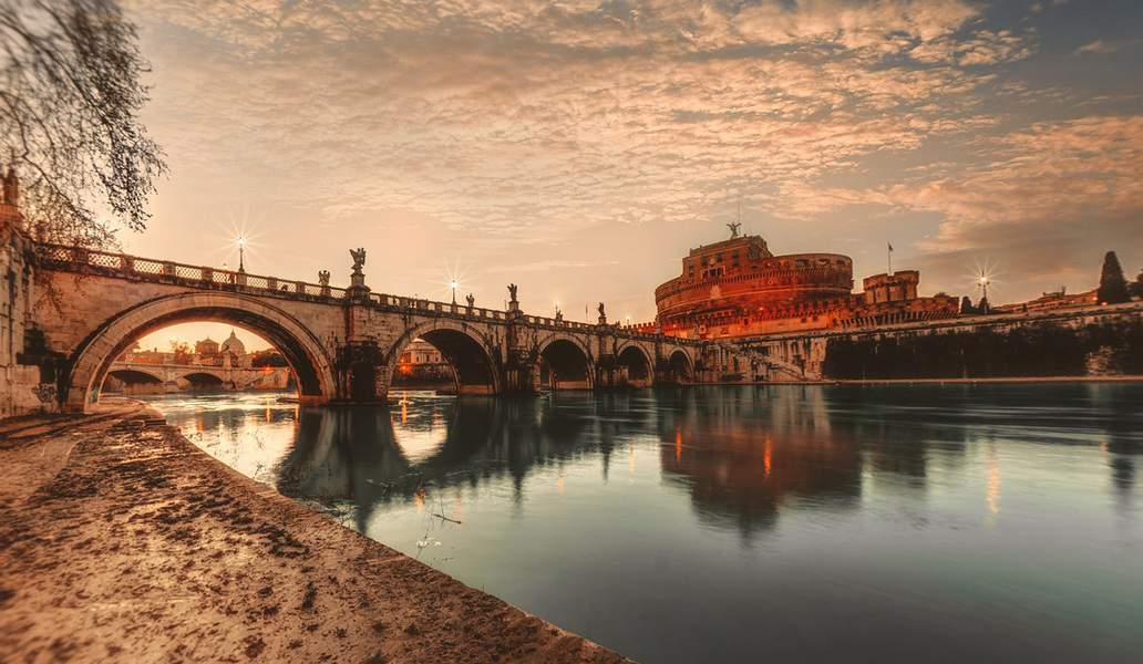 SFO> Rome, Italy: Flight & 8 nights: $716- Nov-Jan