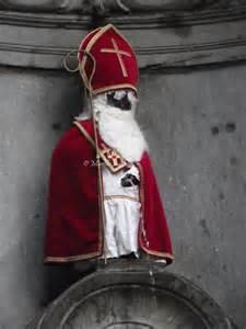 mannekin pis santa