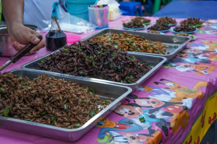 Ayutthaya Thailand avondmarkt