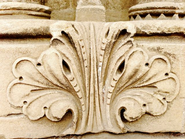 bayeux cathedral detail