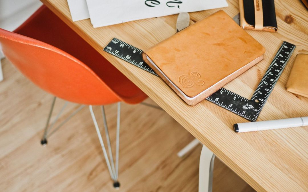 To Be More Creative, Set Up an 'Analog Desk'