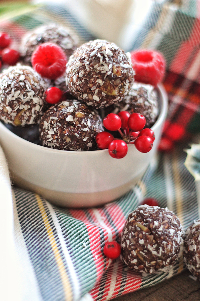 Dark Chocolate Raspberry Energy Bites // JustineCelina.com